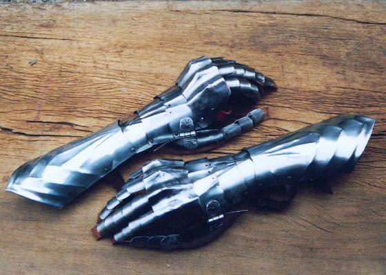 Pantserhandschoenen 15e eeuw 1